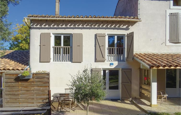 Semi-Detached with 2 bedrooms on 90 m² in Laurac