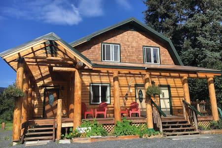 Alaska Lakeside Cottage - Seward