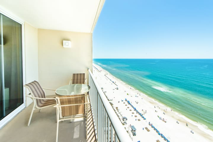 BeachFront☀️17th FL Views☀️Inspected & Disinfected☀1BR+Bunks Majestic 1-1706