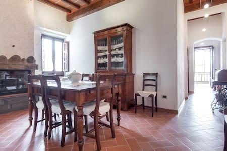 House near Florence, Siena, Arezzo - Montevarchi - Byt