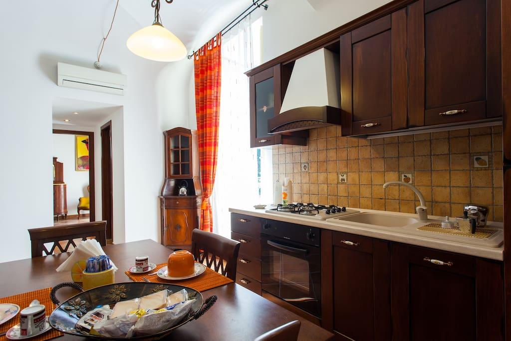 Bivani piazza marina appartamenti in affitto a palermo for Appartamenti in affitto a palermo arredati