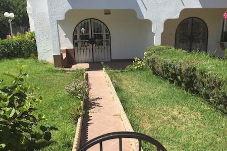 Location Maison Vacances bord 2 mer - Sidi Bouzid - House