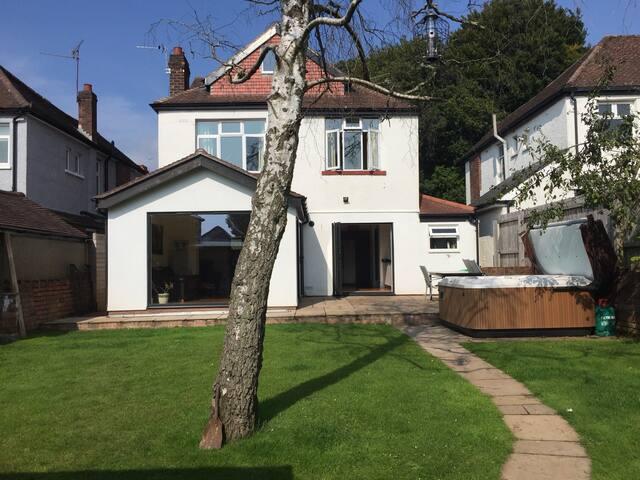 A Little Luxury in Llandaff - Cardiff - House