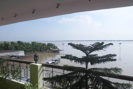 Ganga Guest House + Music School - Varanasi - Bed & Breakfast