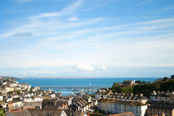 sea view, spacious double room - Brixham - Dom