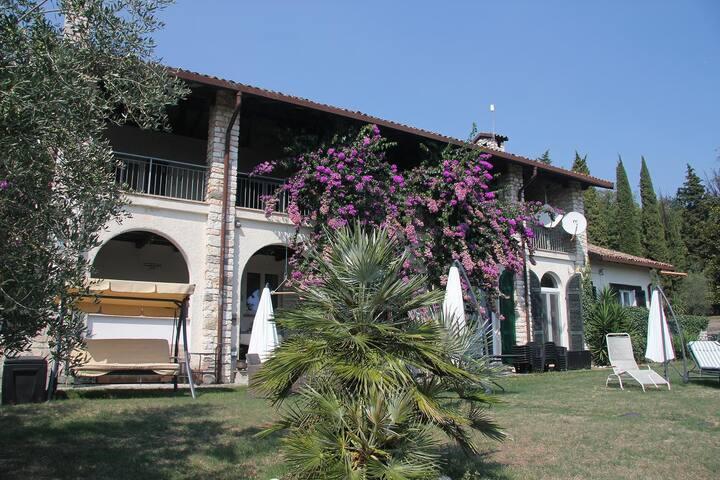 Appartamento indipendente vista lago - San Felice del Benaco - Apartment