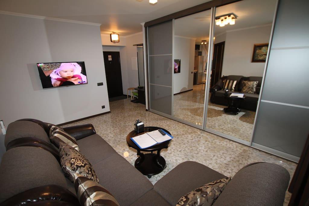 Apartment with designer renovation / Квартира с дизайнерским ремонтом