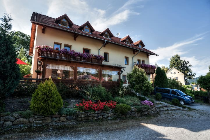 Beautiful B&B next to National Park - Želnava - Bed & Breakfast