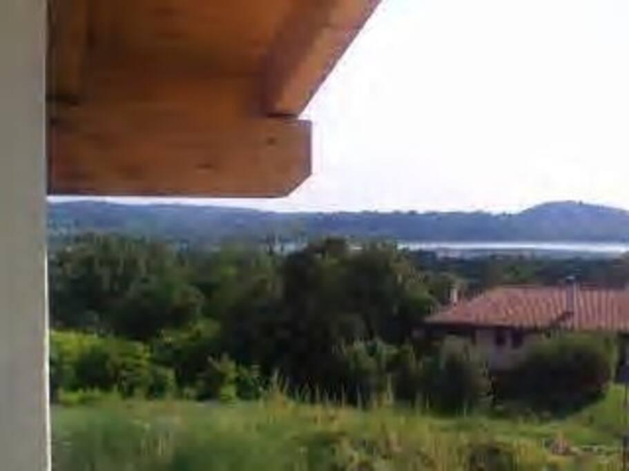 Vista sul lago dalla casa