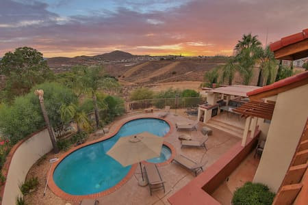 House in Lake Golf Gated Community - Canyon Lake - Huis