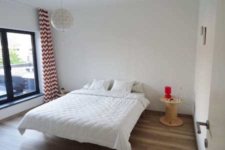 stay in our city guestroom! - Hasselt - Casa a schiera