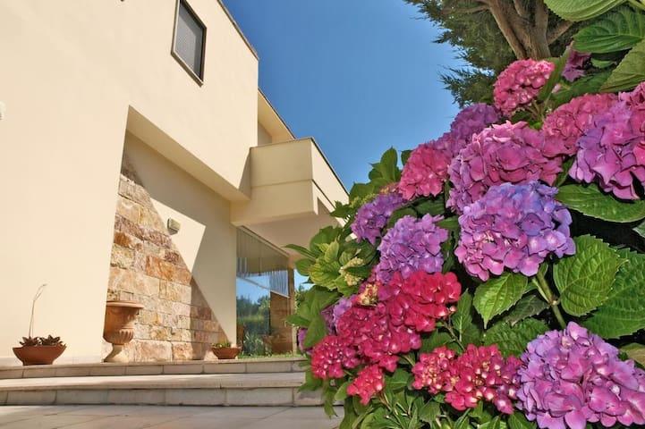 Camera Matrimoniale con Balcone e Vista Mare - Torre Specchia Ruggeri - Apartamento