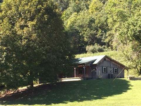 JAC Country Cabin Rentals Retreat