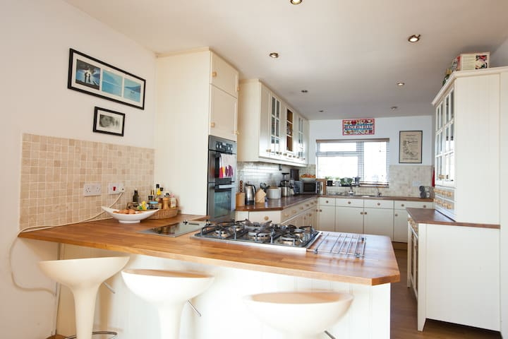 Double Room in a house on the Beach - Lancing - House