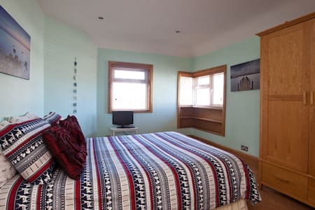 Double Room in a house on the Beach - Lancing