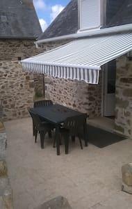 BELLE MAISONNETTE  BRETONNE - Plouguiel - House