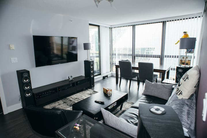 Room in downtown-core modern condo - Vancouver - Appartement