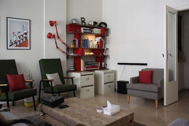 Cosy, Comfortable Room in Ashrafieh - Beirut - Apartment