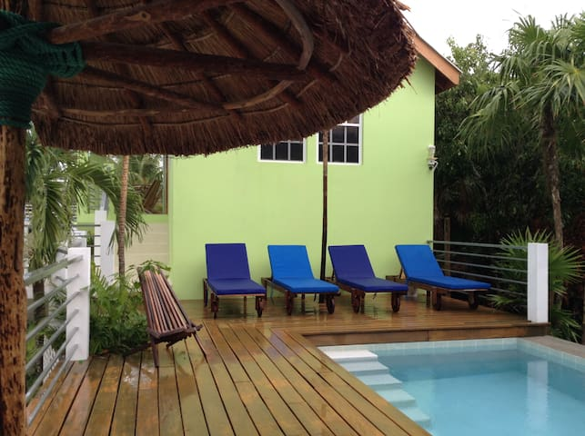 Botanical Paradise Caye Caulker - Belize City - Ev
