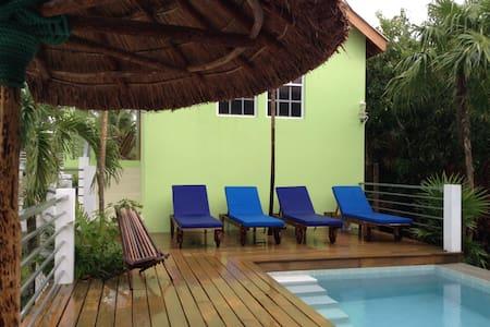 Botanical Paradise Caye Caulker - Belize stad