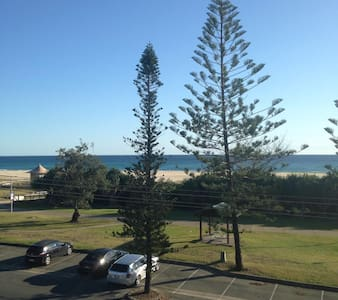 Beach front unit in Kirra Beach - Leilighet