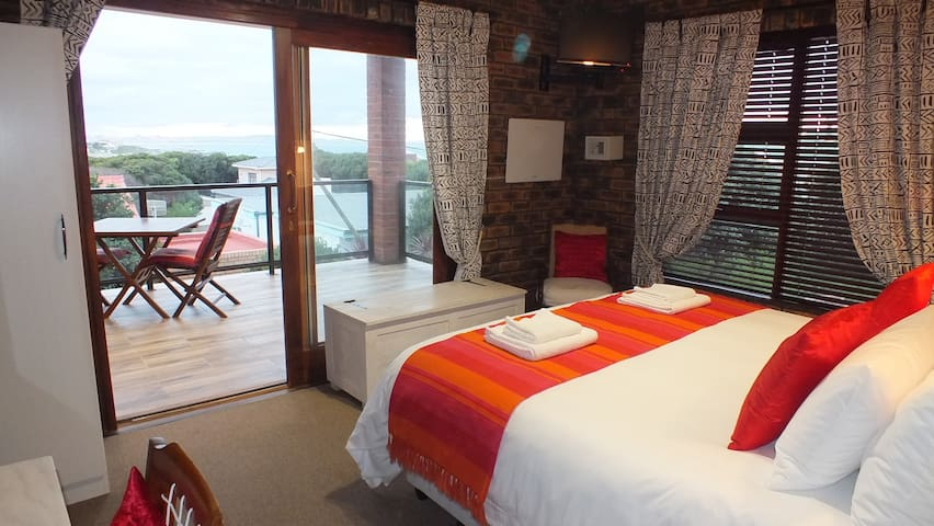 Gecko Bedroom - Gansbaai - Bed & Breakfast