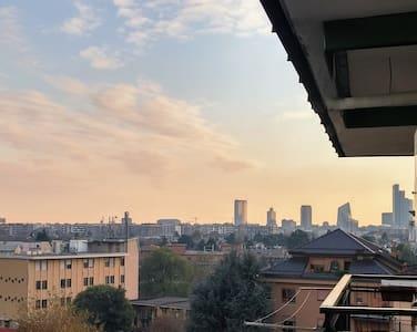 Panoramic Modern Top Floor Flat