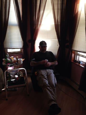 Nice Room in Quincy, peaceful area. - Quincy - Huis