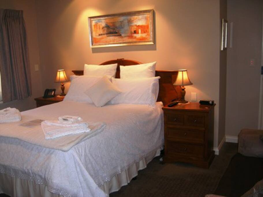 Santa Maria Room with private luxury bathroom with spa, shampoo / Conditioner / Body Gel provided