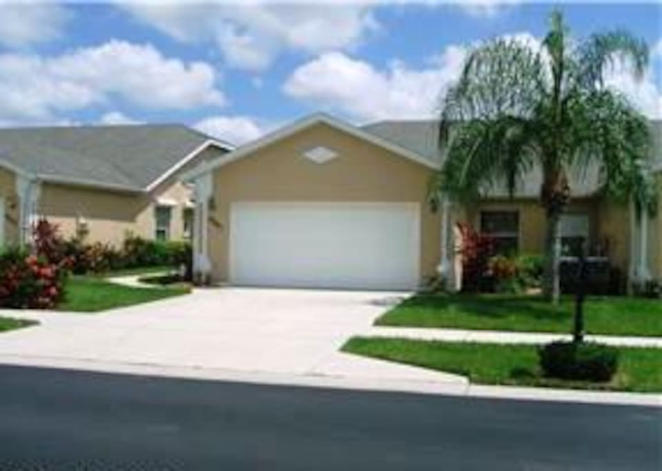 3 Bedroom 2 Bath Villa In Naples Houses For Rent In Naples Florida United States