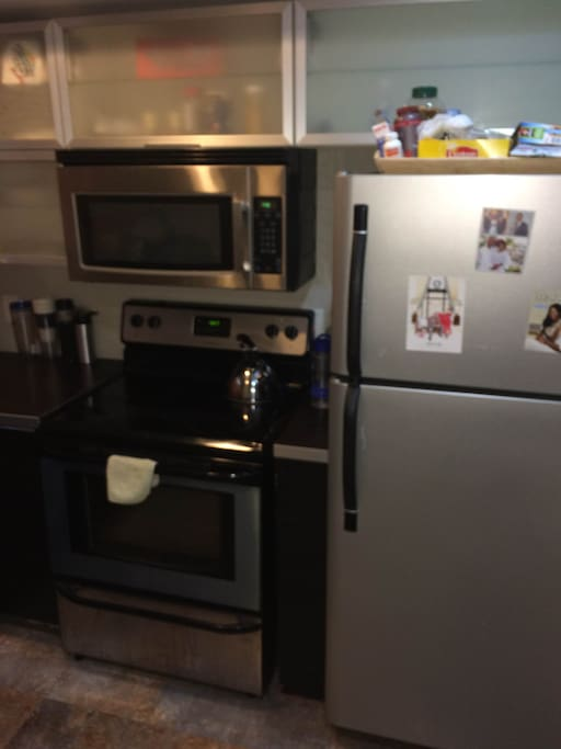 Fridge, Microwave & Oven available