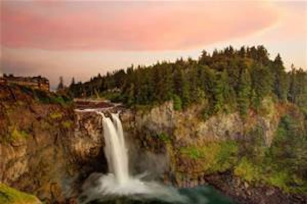 A highlight in the area is Snoqualmie Falls, about a 5 minute drive from house.