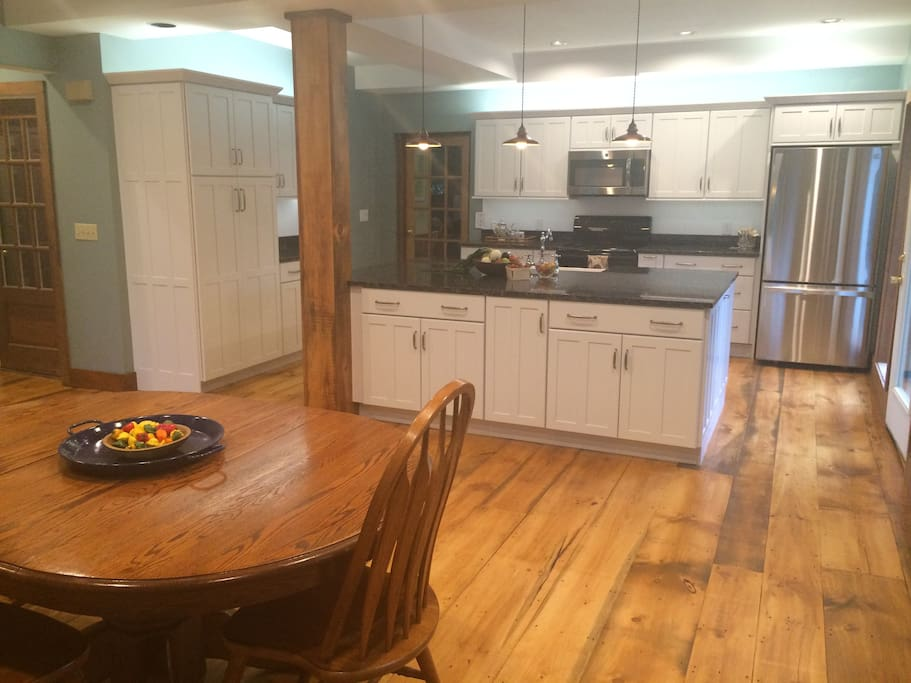 Brand spanking new kitchen - fully renovated in the spring of 2015!