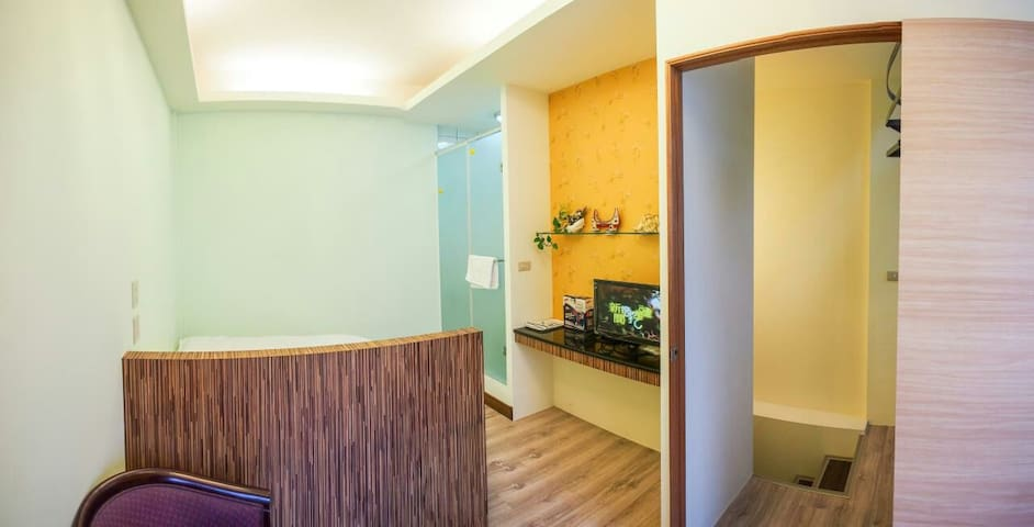 南民宿 全新套房特惠價,正市區米苔目,臭豆腐,地瓜酥走路只要五分鐘2 - Taitung City - Appartement