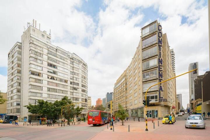 Apartamento 2 dormitorios en Centro - Bogotá - Apto. en complejo residencial