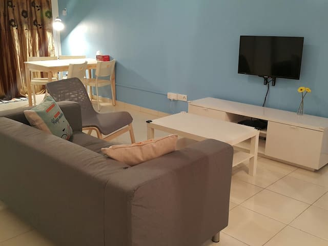 Cozy 3 BR Apartment @ Klang Centre - Klang - Apartment
