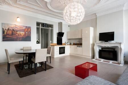 T2 rdc de 56 m2 avec terrasse arborée hyper centre - Rochefort