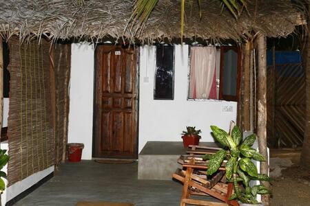 Couple Room with Private Bathroom - Kalpitiya