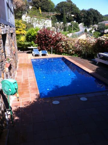 SDtudio in garden with swimmingpool - Vallromanes - Apartment