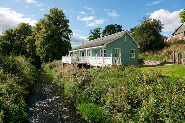 Charming Riverside Cottage - Crieff - Hus