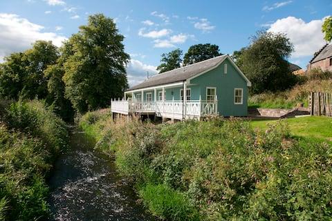 Charming Riverside Cottage