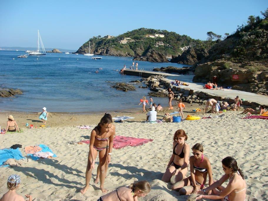 plage à 5 min à pied de la maison