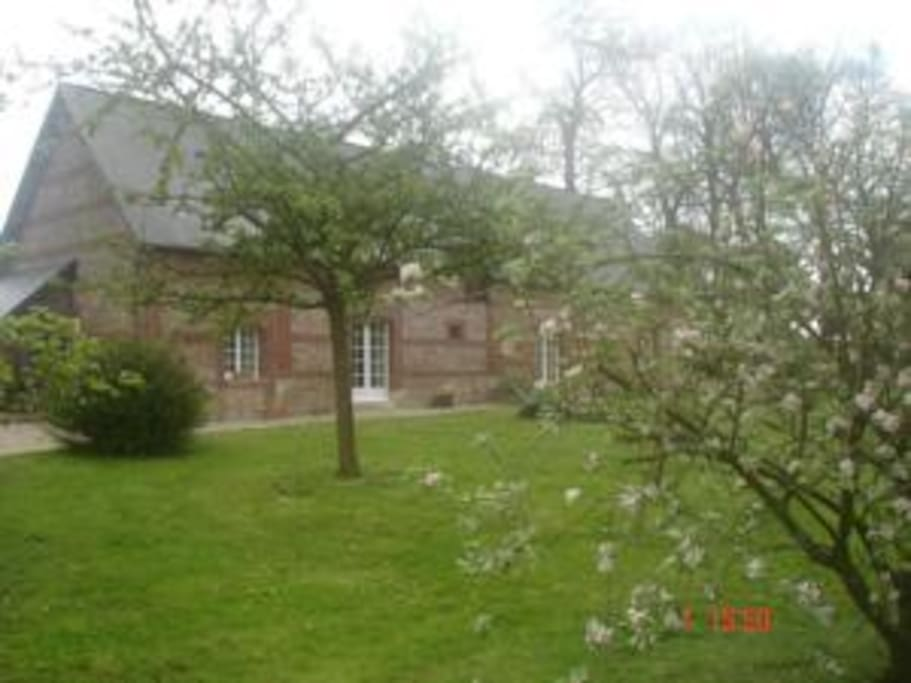 Meubl de tourisme 8 personnes houses for rent in for Haute normandie tourisme