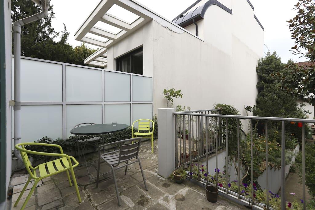 maison familiale jardinproche paris case in affitto a clamart le de france francia. Black Bedroom Furniture Sets. Home Design Ideas