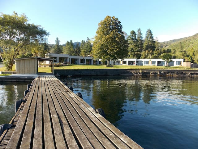 Braxmere - Lakeside apartments - Lake Taupo