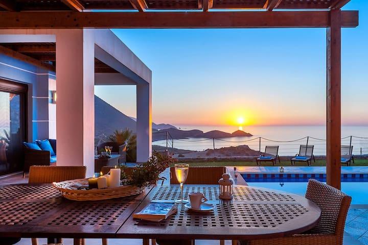 Villa Electra, 3 BD, private pool, top sea views - Bali - Villa