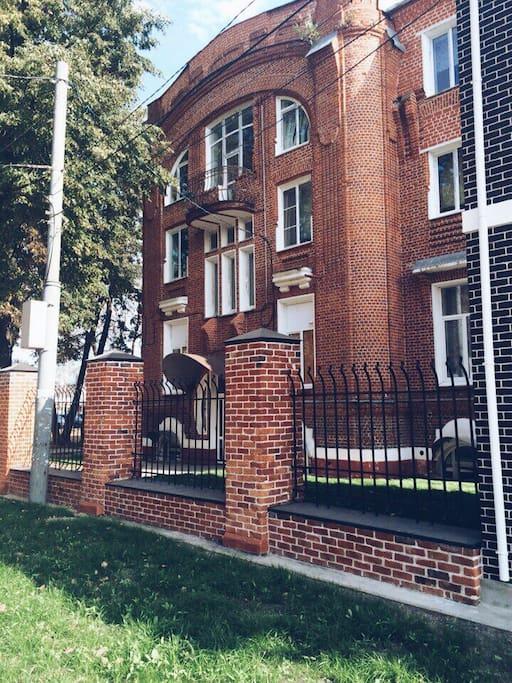 хостел расположен в здании культурного и архитектурного наследия Нижнего Новгорода