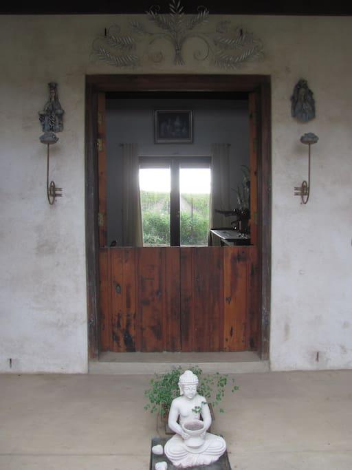 entrance to gallery & breakfast area