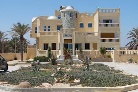 Villa de luxe en bord de mer - Zarzis - Casa