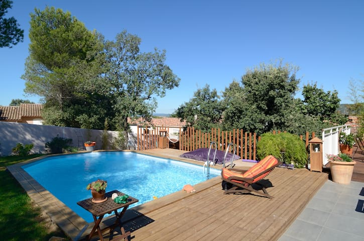 Maison moderne avec piscine - Peyrolles-en-Provence - Dom
